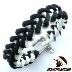 Shark jaw 2 colors Paracord Bracelet with Shackle