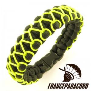 Herringbone Stitched Cobra paracord bracelet