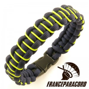 Bracelet paracord Cobra lacé simple
